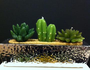 Margot: porta candele martellato 3 posti con candela cactus