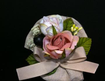 bomboniera matrimonio comunione sacchetto cotone ecru con rose rosa