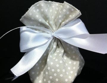 sacchetto bomboniera grigio pois bianchi