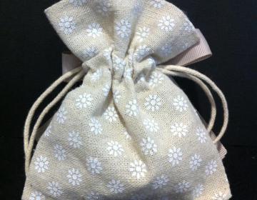 Bomboniere sacchetto écru con fiorellini