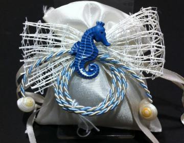 Bomboniere sacchetto raso con cavalluccio marino o ippocampo
