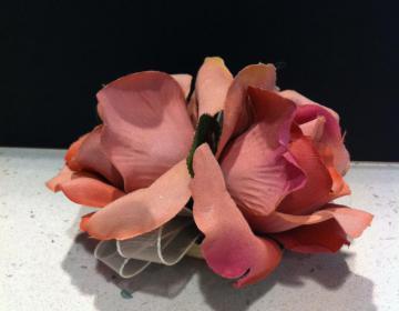 Creazioni Artistiche: ferma tende rose rosa