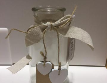 bomboniera vaso vetro con cuori cupido
