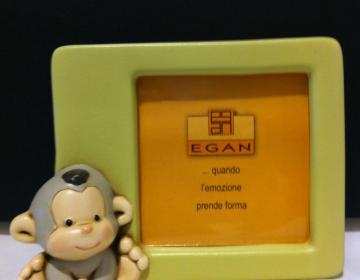 Portafoto ceramica scimmia Egan