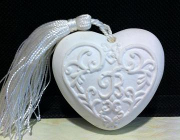 bomboniere: cuore, in gesso