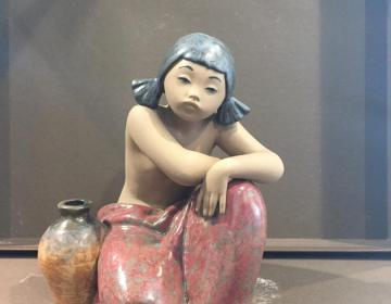 statua Lladrò acquaiola